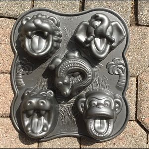 Nordic Animal Cake Pan Cast Aluminum: Hippo, Elephant, Lion, Crocodile & Monkey
